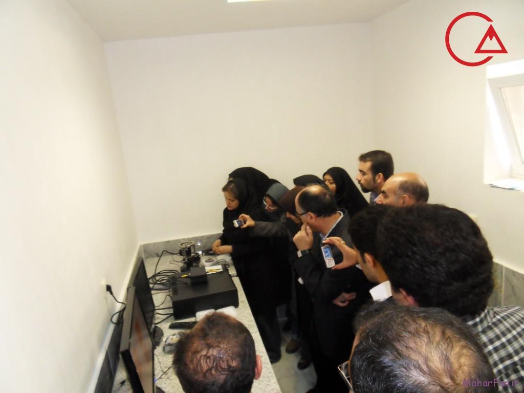 میکروسکوپ پروبی روبشی دانشگاه اراک