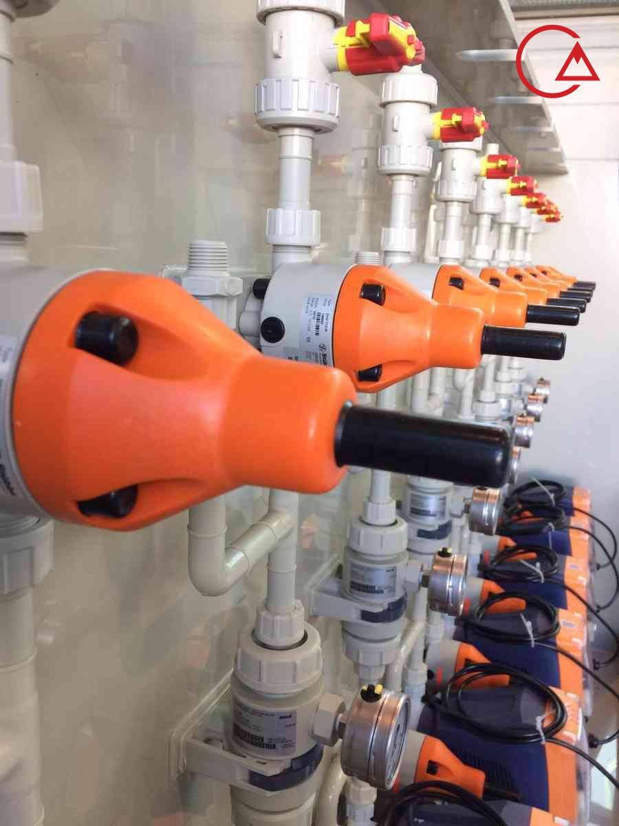 پکیج تزریق مواد شیمیایی بهمراه آکومولاتور و شیر فشارشکن